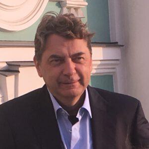 Dr. Holger Küfner